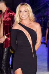 Britney Spears - MTV Video Music Awards 2016 in New York City 8/28/2016