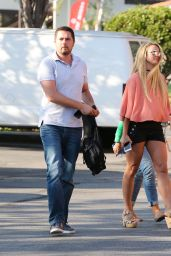 Britney Spears Summer Ideas - Out for Lunch in Westlake 8/1/2016