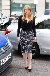Bryce Dallas Howard - Arriving at the Radio 2 Studio London 8/1/2016