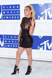 Chanel West Coast – MTV Video Music Awards 2016 in New York City 8/28/2016