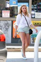 Chloe Grace Moretz at Gas Station in LA 8/4/2016