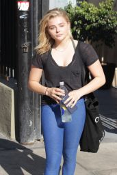 Chloe Grace Moretz in Spandex - Outside a Gym in Los Angeles 8/1/2016