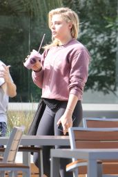 Chloe Moretz - Taking a Juice Break in West Hollywood, August 2016