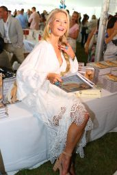 Christie Brinkley - Authors Night For The East Hampton Library at The East Hampton, NY, August 2016