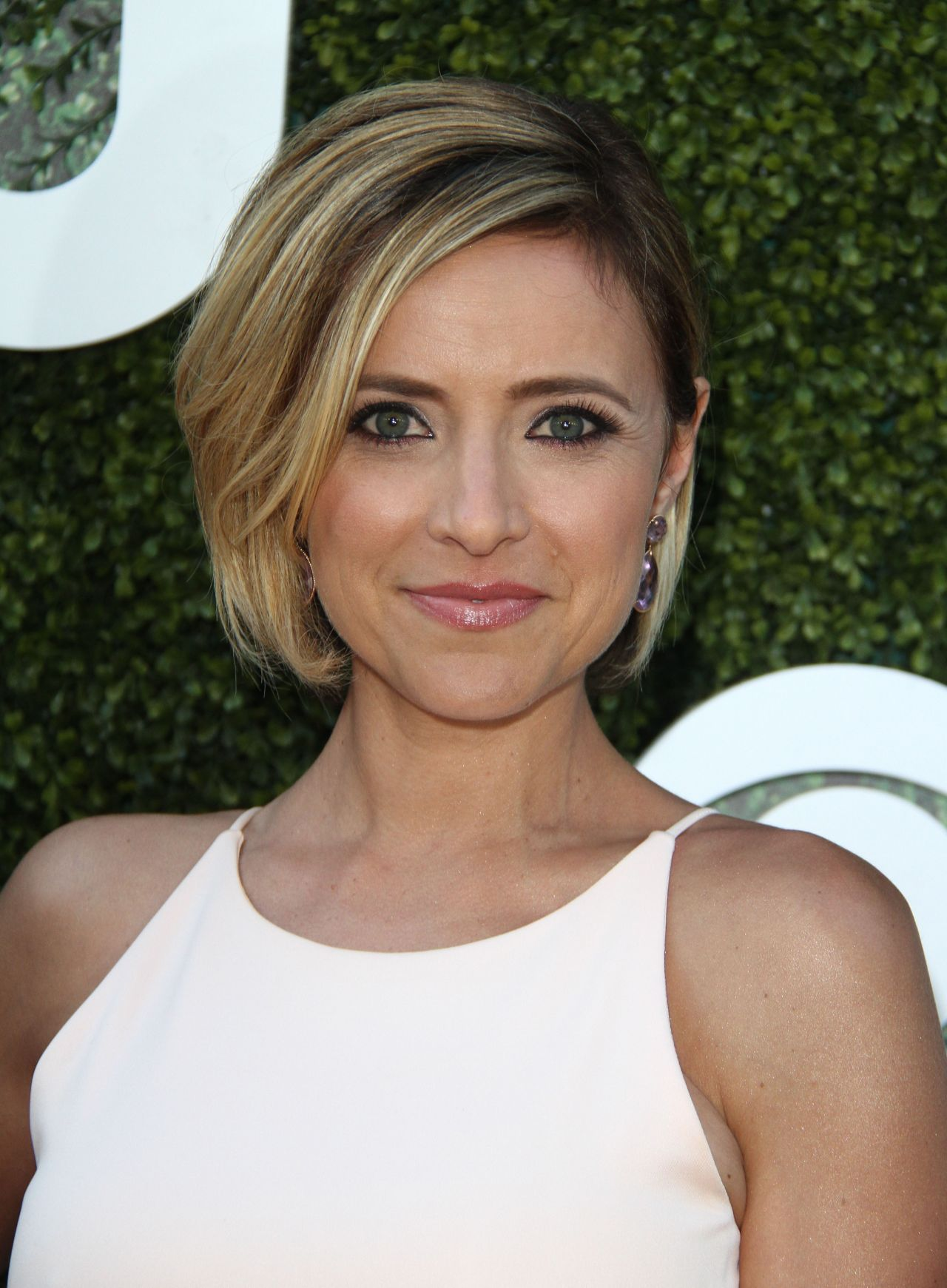 Christine Lakin Cbs Cw And Showtime Summer Tca Press