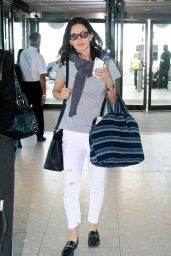 Courteney Cox Travel Outfit - Heathrow Airport in London 08/06/2016
