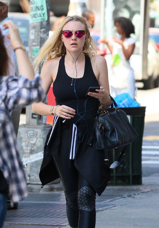 Dakota Fanning Street Style - NYC 8/15/2016