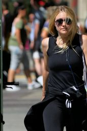 Dakota Fanning Street Style - Out in New York  City 8/22/2016