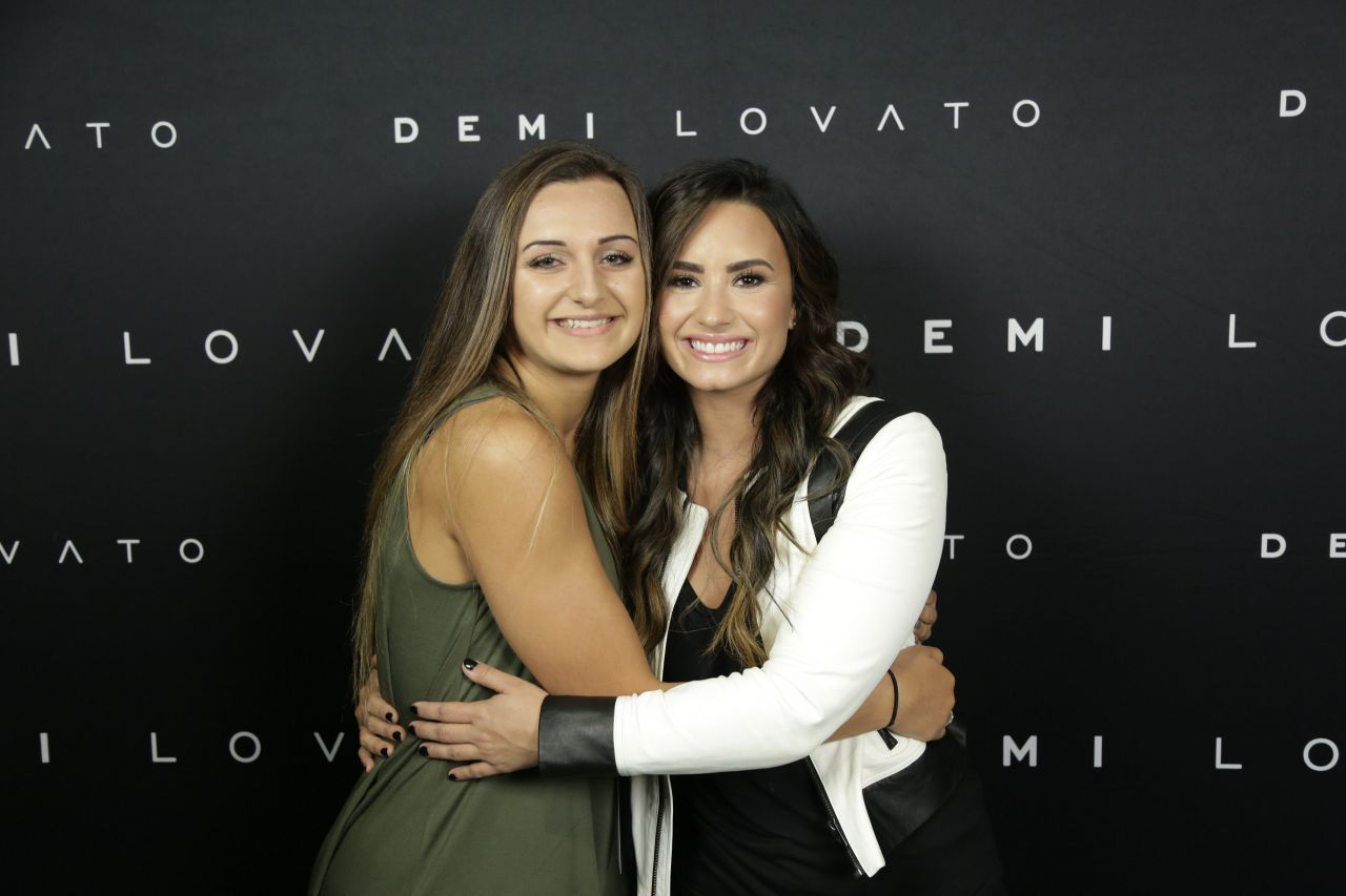 demi lovato meet and greet nyc parking