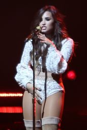 Demi Lovato Performs at Honda Civic Tour: Future Now - Rogers Arena in Vancouver 8/24/2016