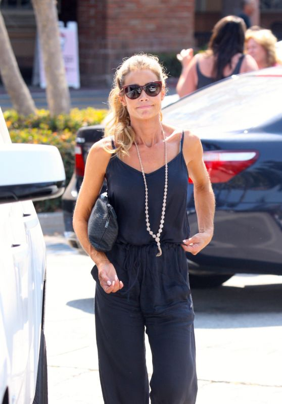 Denise Richards - Shopping in Malibu 8/23/2016
