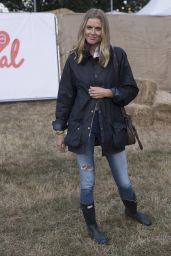 Donna Air - V Festival at Hylands Park in Chelmsford, England 8/21/2016