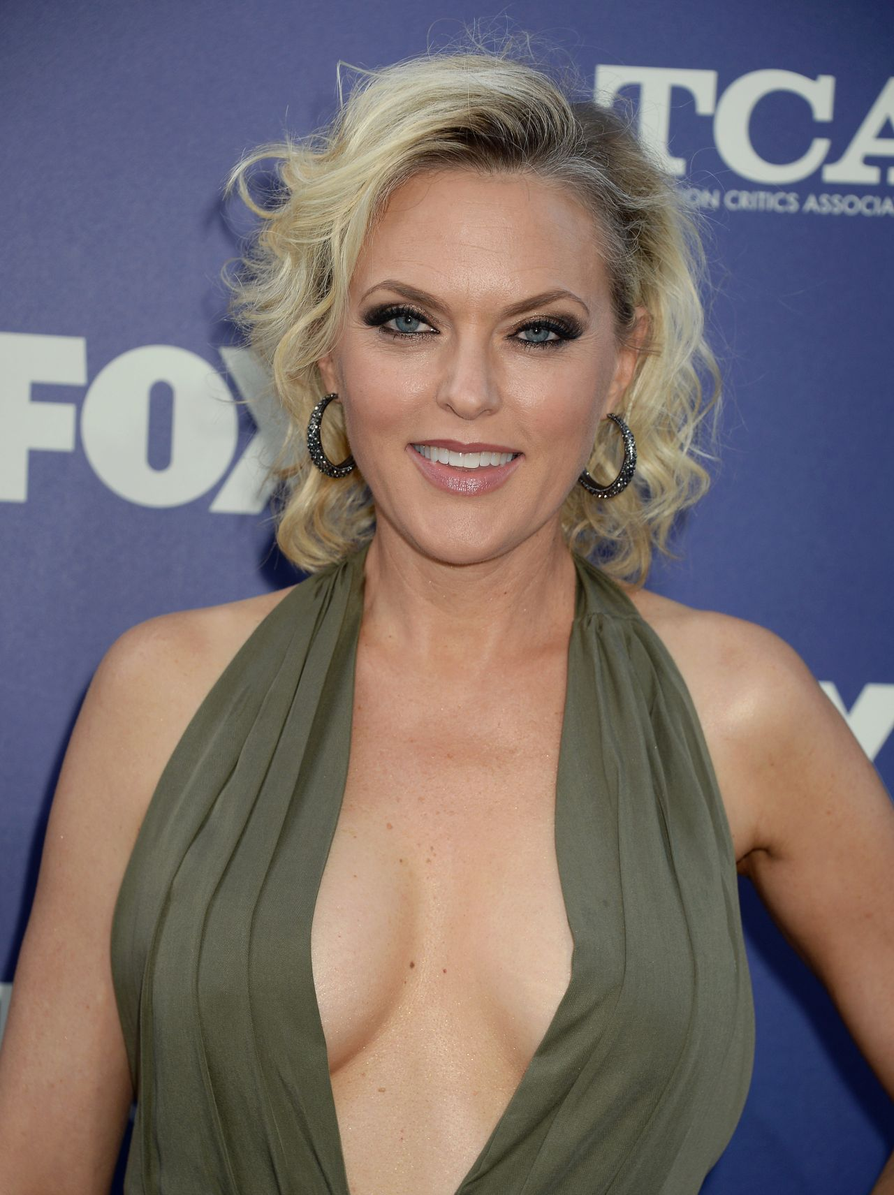 Elaine Hendrix Fox 2016 Summer Tca All Star Party In