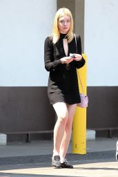 Elle Fanning - Grocery Shopping at Smart And Final in LA 8/24/2016