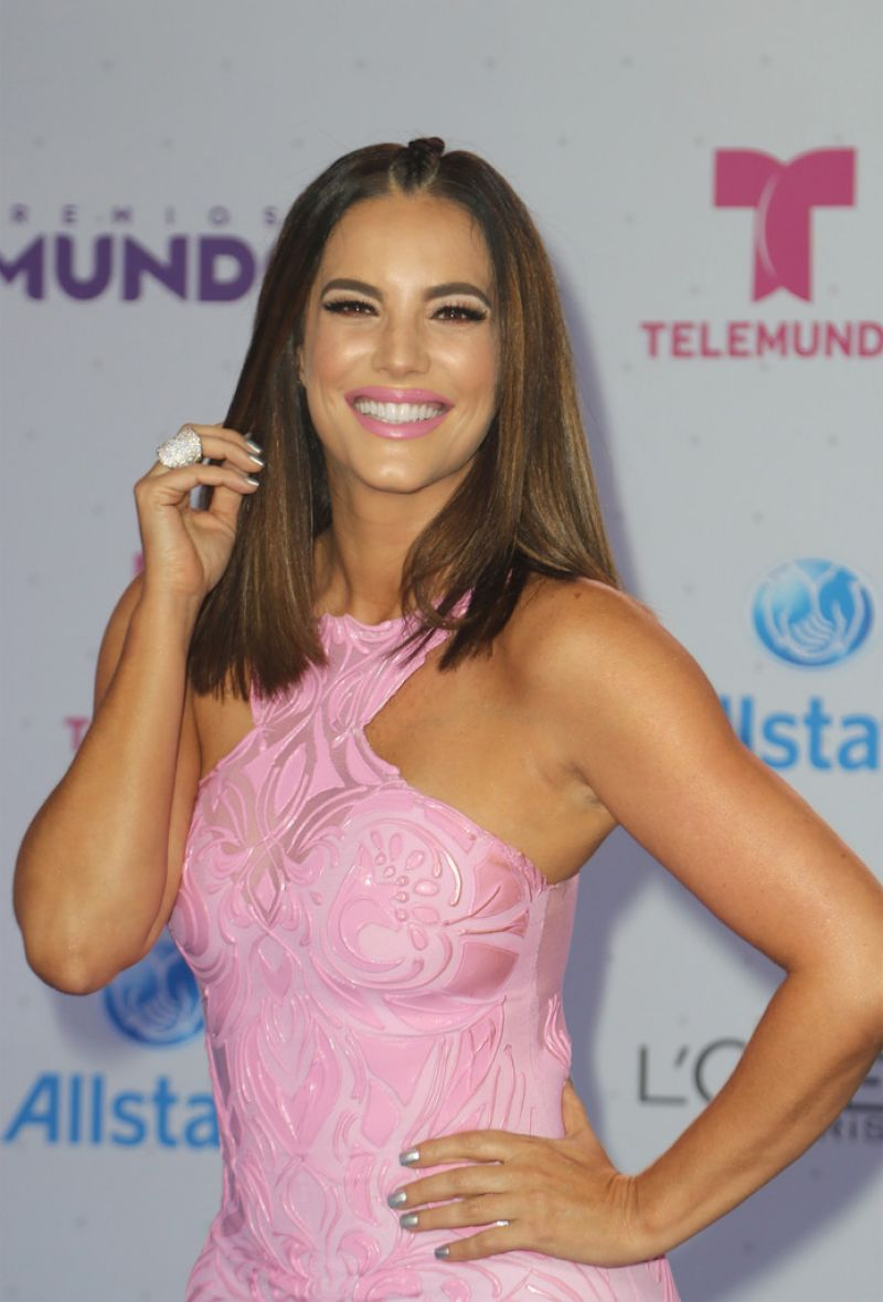 Gaby Espino Telemundo S Premios Tu Mundo Your World