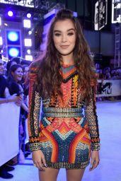 Hailee Steinfeld – MTV Video Music Awards 2016 in New York City 8/28/2016
