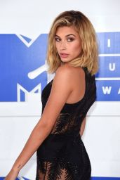 Hailey Baldwin – MTV Video Music Awards 2016 in New York City 8/28/2016