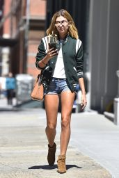 Hailey Baldwin - Out in NYC 8/22/2016