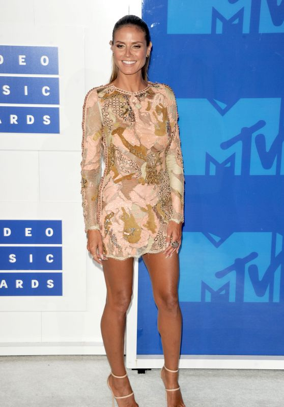 Heidi Klum – MTV Video Music Awards 2016 in New York City 8/28/2016