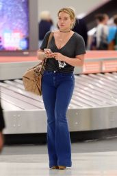 Hilary Duff Casual Style - JFK Airport in NYC 8/7/2016