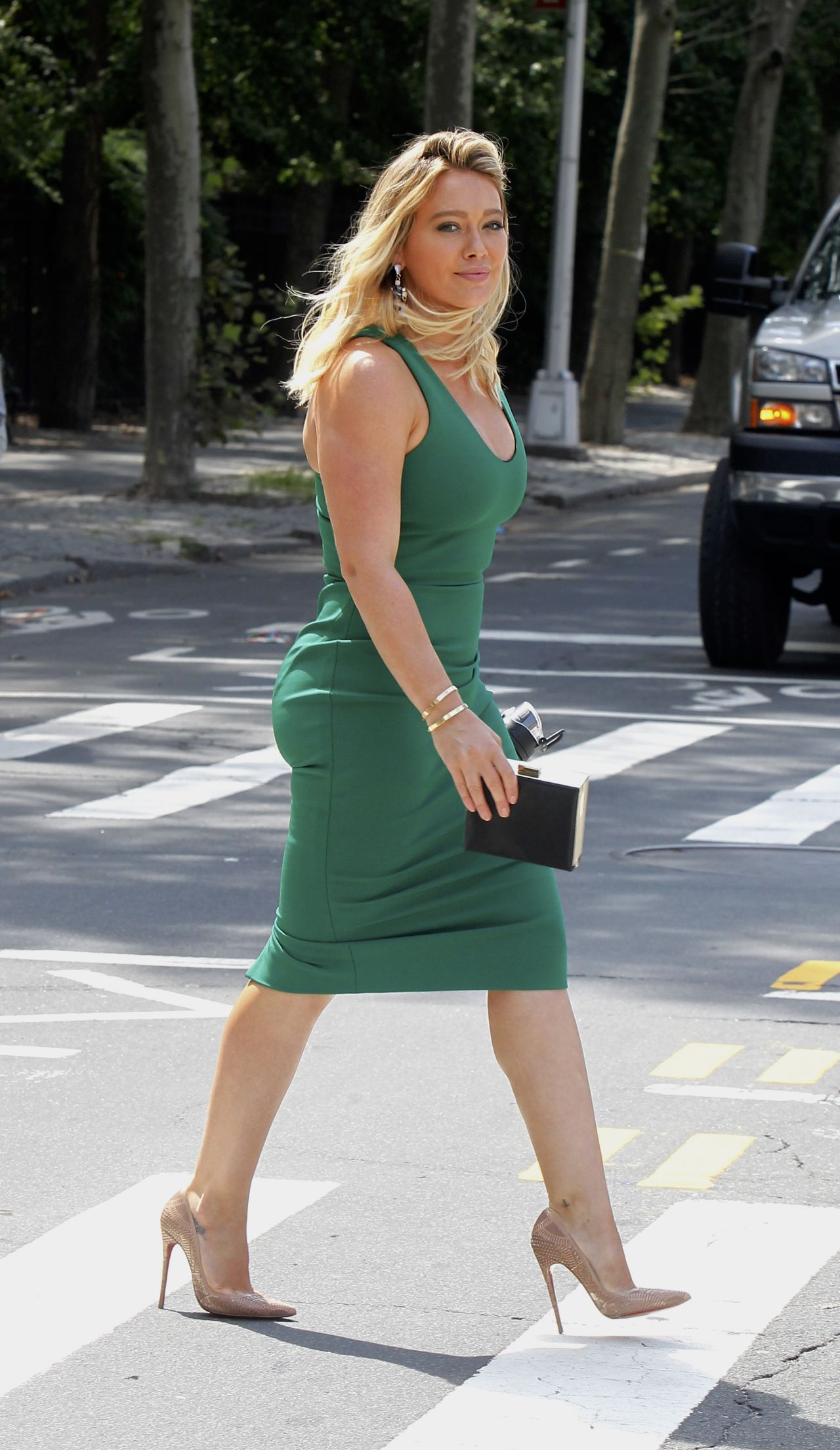Hilary Duff On The Set Of Younger In Manhattan 8 25 2016