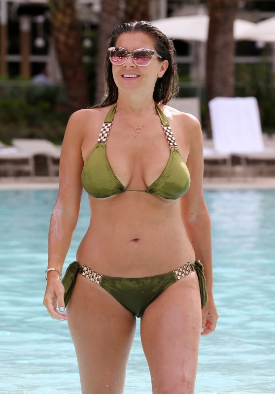 Imogen Thomas in Bikini at a Pool in Las Vegas 8/30/2016