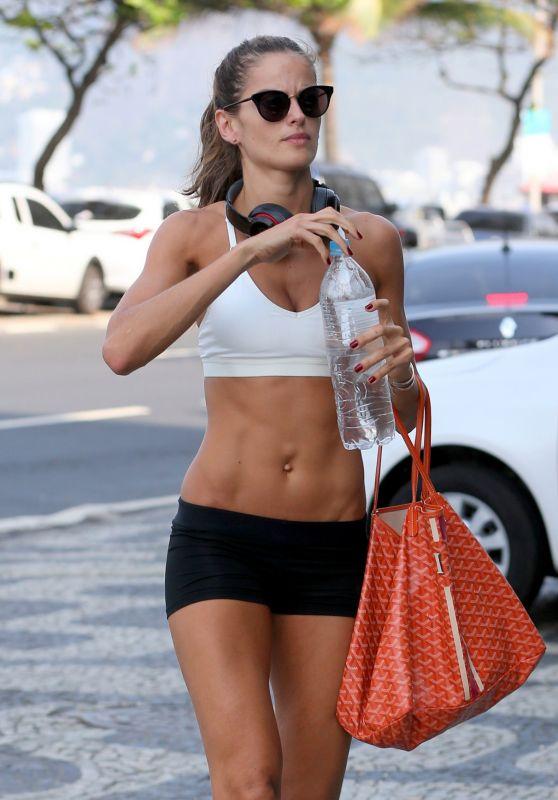 Izabel Goulart Gym Style - Rio de Janeiro 8/20/2016