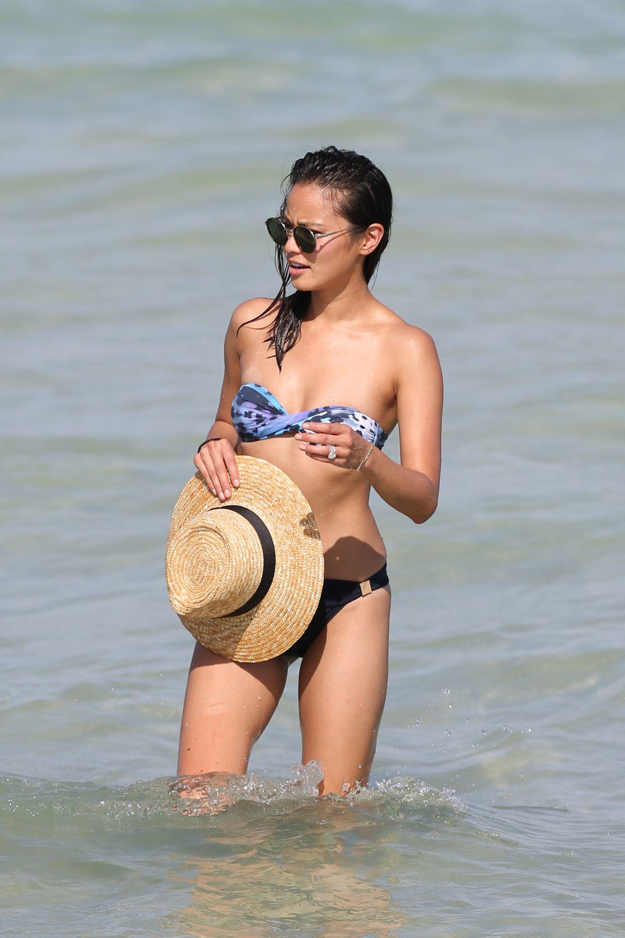 Jamie Chung In Bikini On The Beach In Miami Fl 8 5 2016