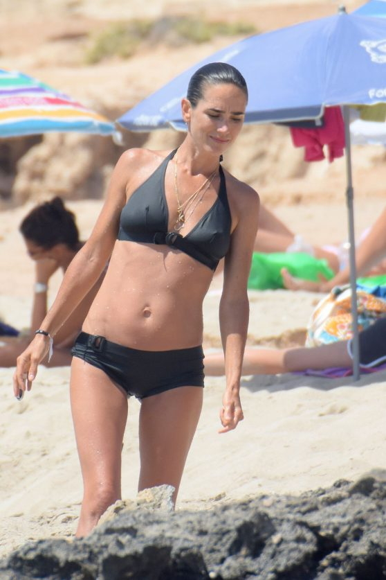 jennifer-connelly-bikini-candids-formentera-08-18-2016-2
