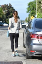Jennifer Garner - Leaving Pressed Juicery in Brentwood 8/12/2016
