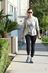 Jennifer Garner - Leaving Pressed Juicery in Brentwood 8/12/2016