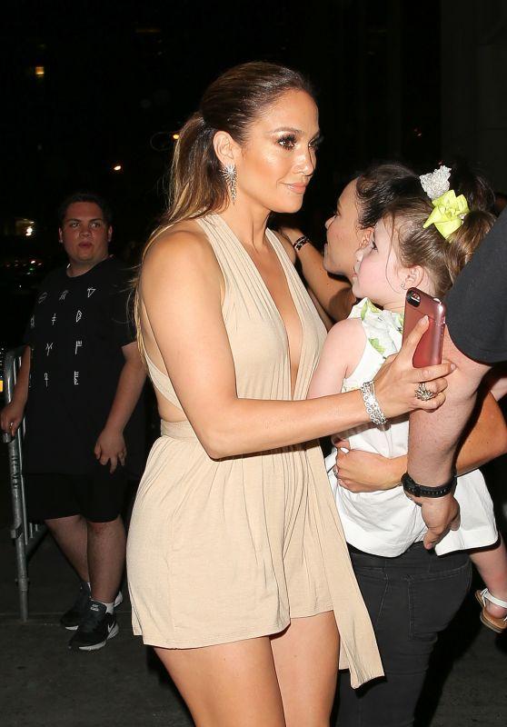 Jennifer Lopez - Arriving For Marc Anthony