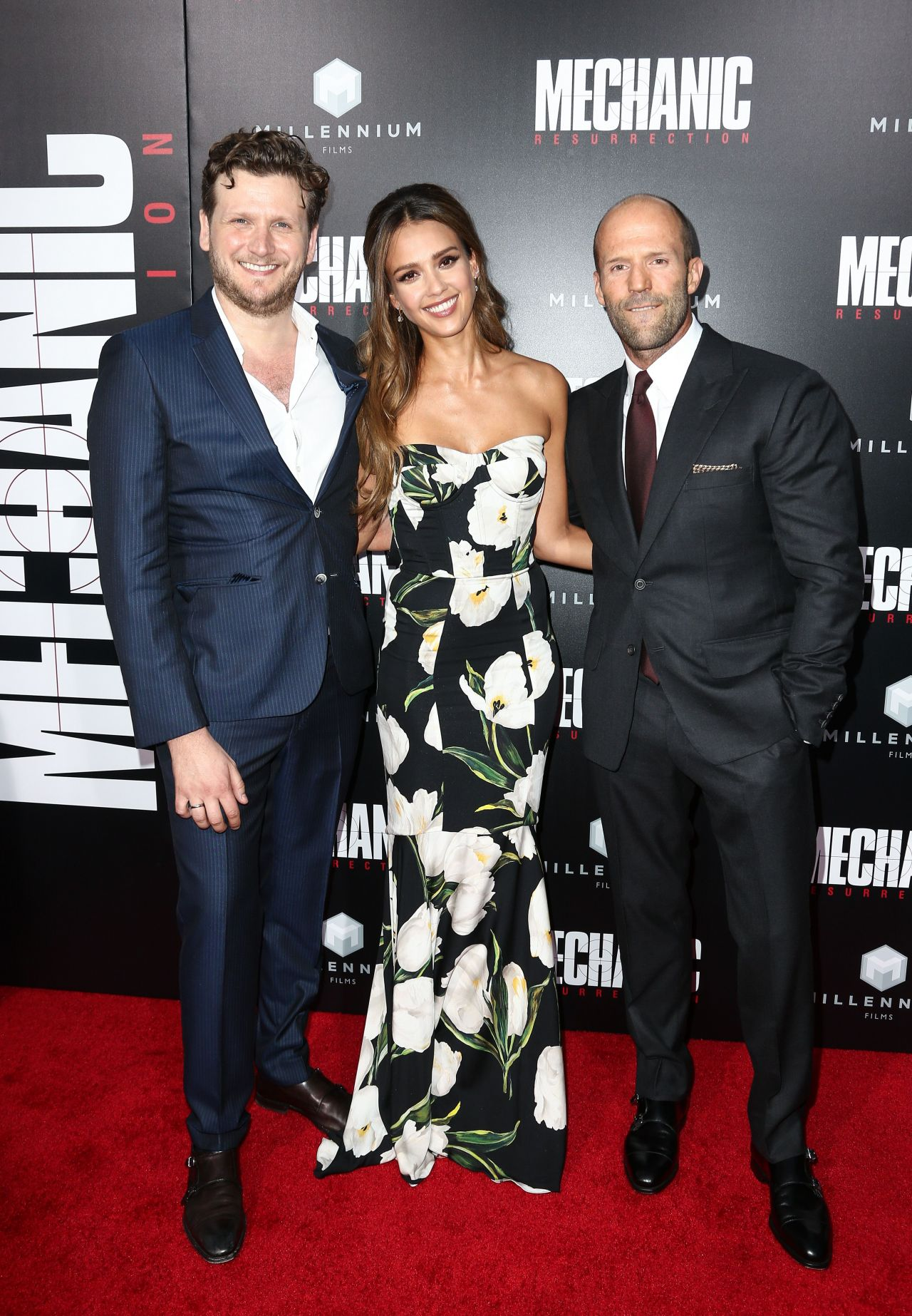 http://celebmafia.com/wp-content/uploads/2016/08/jessica-alba-mechanic-resurrection-premiere-in-los-angeles-08-22-2016-25.jpg