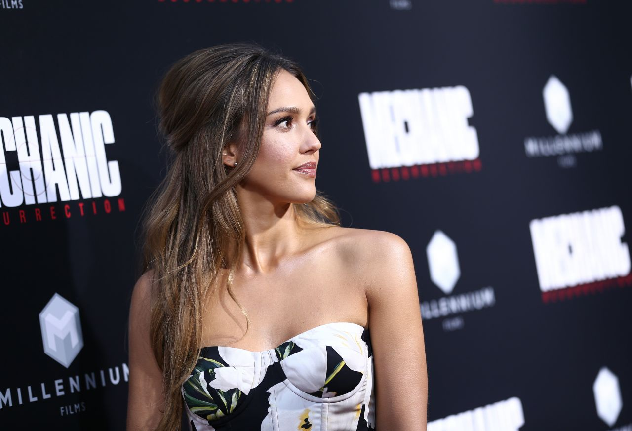 http://celebmafia.com/wp-content/uploads/2016/08/jessica-alba-mechanic-resurrection-premiere-in-los-angeles-08-22-2016-8.jpg