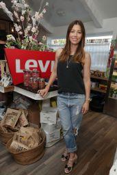 Jessica Biel - Levi