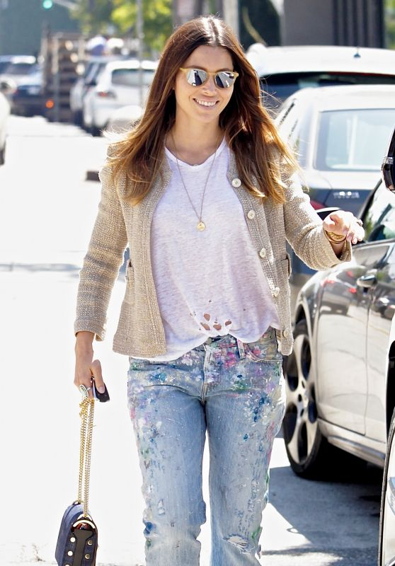Jessica Biel - Out in Beverly Hills 8/18/2016