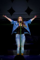 Joanna Jojo Levesque Performing in Toronto 8/11/2016