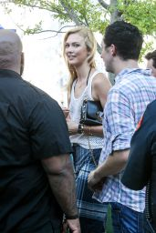 Karlie Kloss - Out in NYC 8/8/2016