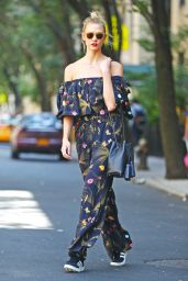 Karlie Kloss Summer Stret Style -NYC 8/25/2016