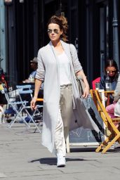Kate Beckinsale - Shoppingl in London 8/3/2016