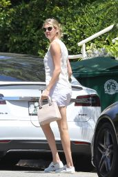 Kate Upton out in Pacific Palisades 8/10/2016