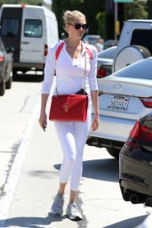 Kate Upton Street Style - West Hollywood 08/19/2016