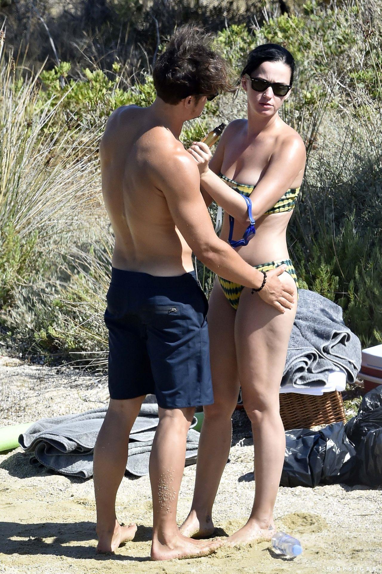 Katy Perry Bikini Photos - Beach In Italy 832016-2016