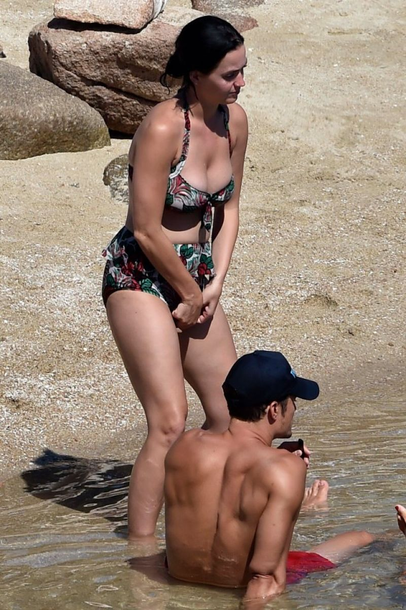 Katy Perry In A Swimsuit - With Orlando Bloom At A Beach -6535