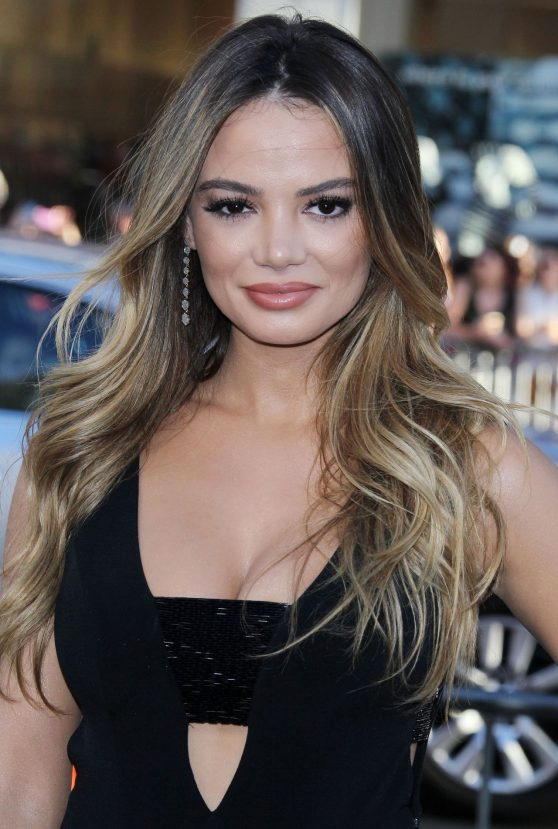 keleigh-sperry-warner-bros.-pictures-war-dogs-premiere-in-hollywood-4