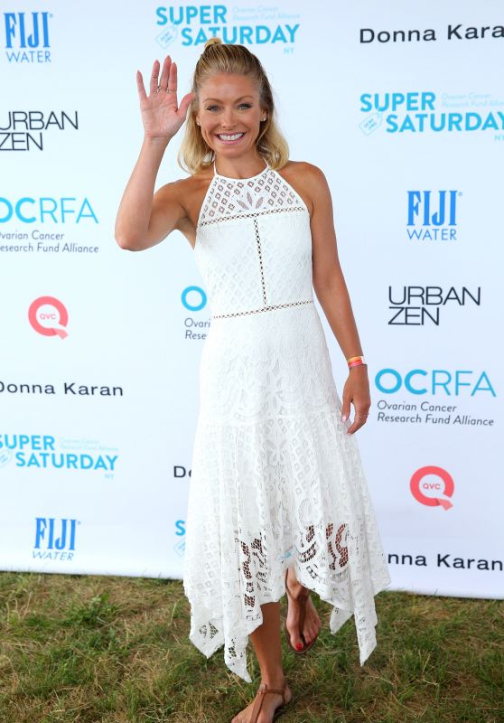 Kelly Ripa - Ovarian Cancer Super Saturday Project in NYC, July 2016