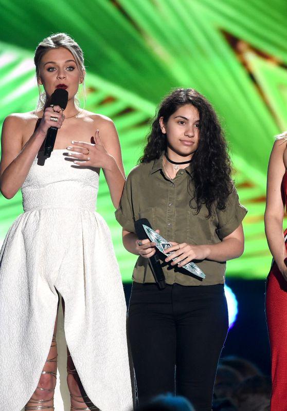 Kelsea Ballerini, Alessia Cara and Bebe Rexha – Teen Choice Awards 2016 in Inglewood, CA