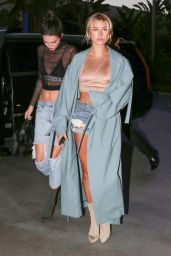 Kendall Jenner and Hailey Baldwin Concert Outfit Ideas - at the Adele Concert in LA 8/6/2016