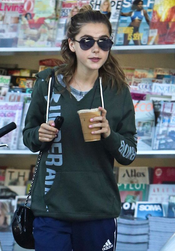 Kiernan Shipka - Grabs an Iced Coffee in LA 8/21/2016
