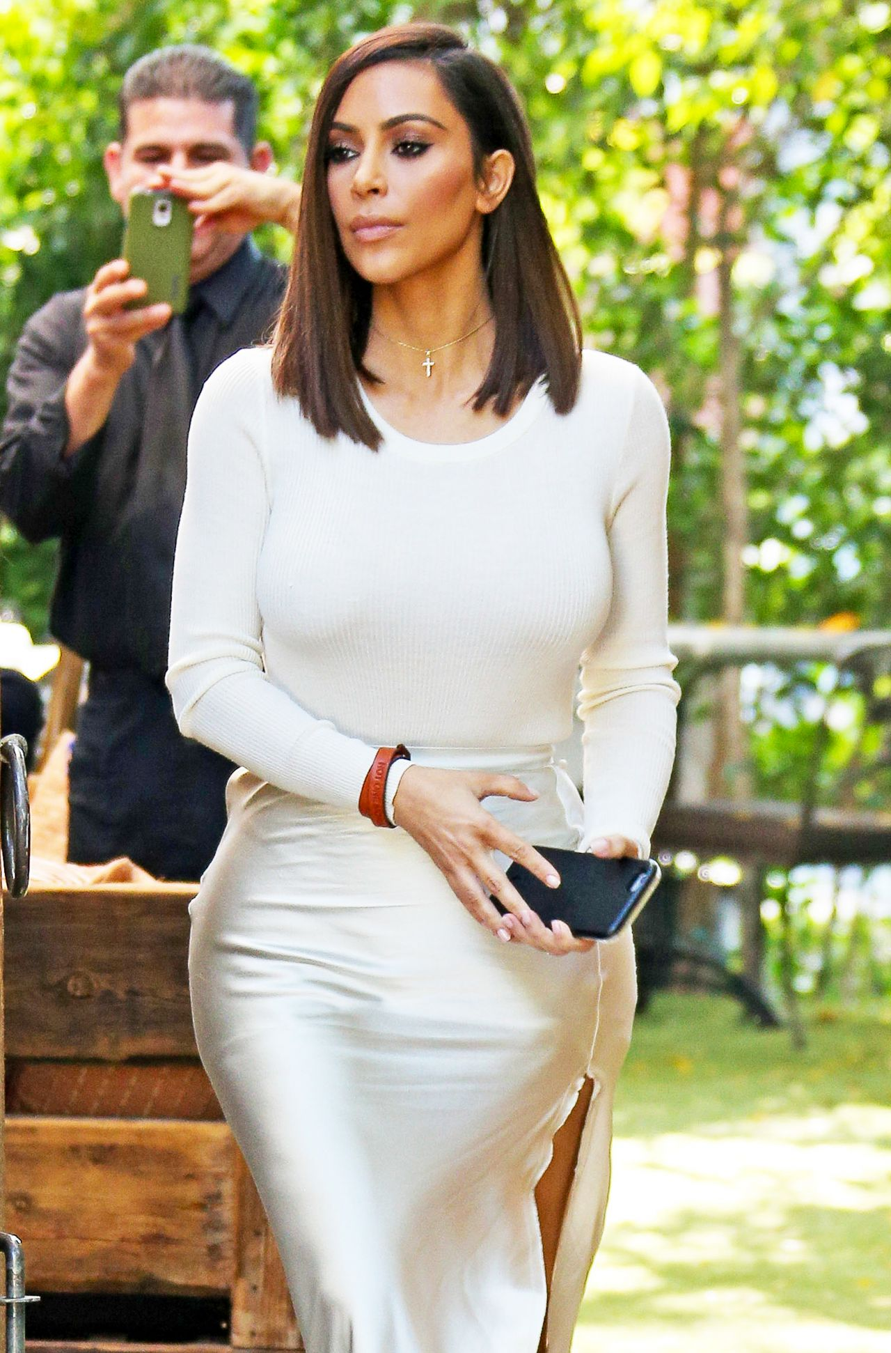 Kim Kardashian Classy Fashion - At The Villa Restaurant In -2195